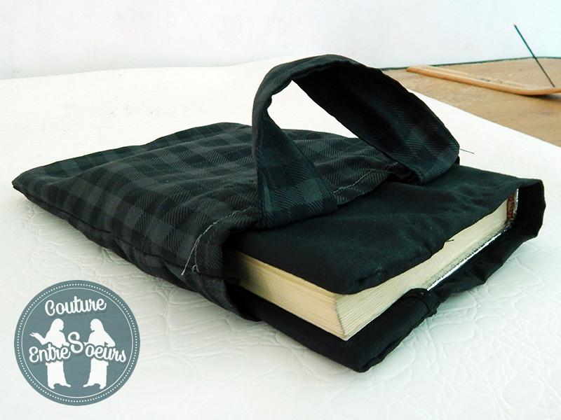 Coudre un petit sac simple couture entre soeurs for Coudre a passe simple