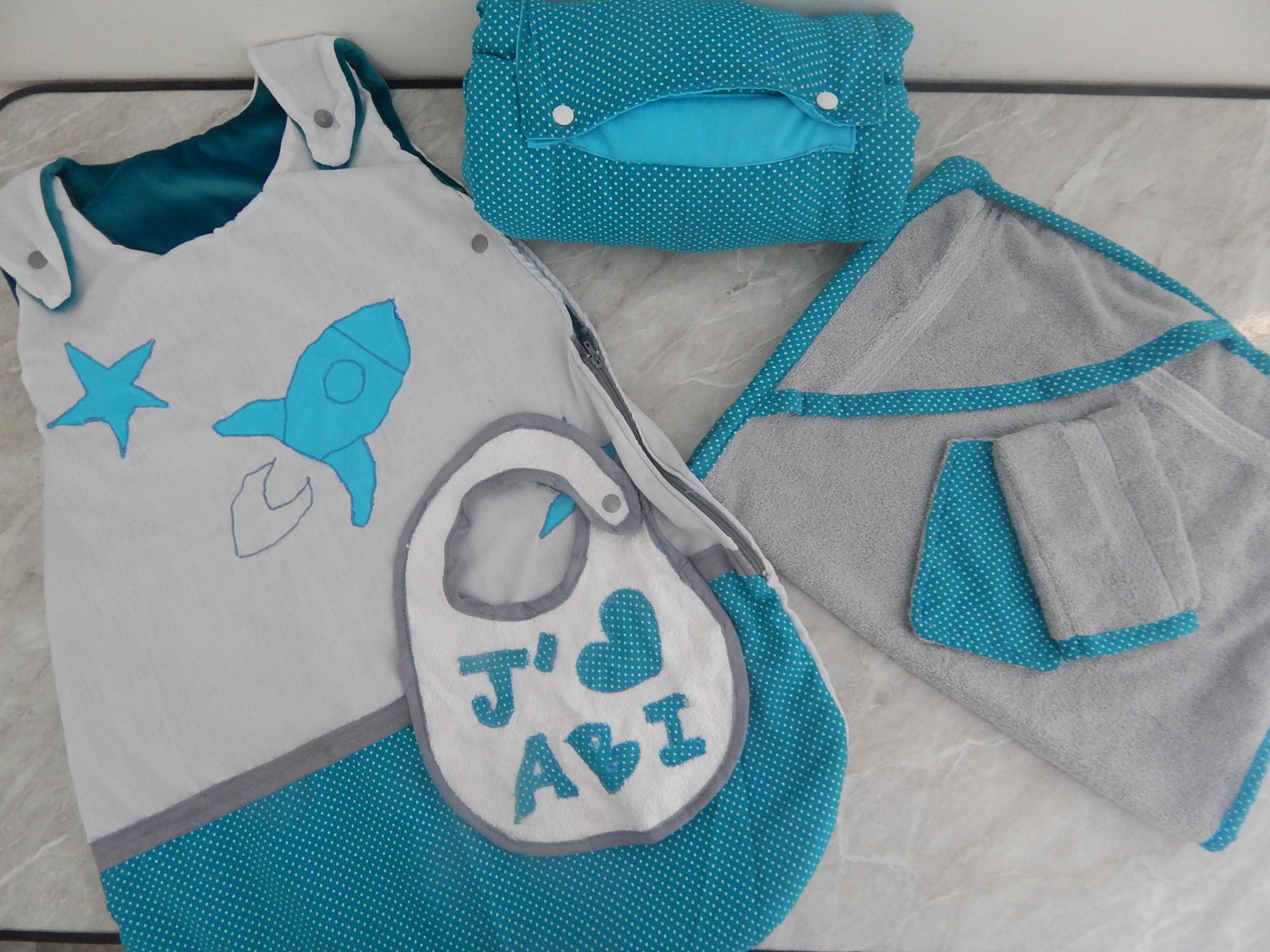 cadeau de naissance un petit kit b b couture entre soeurs. Black Bedroom Furniture Sets. Home Design Ideas