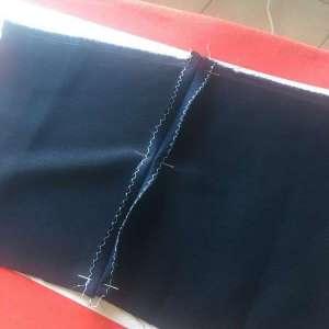 Épingler vous aidera à maintenir le tissu en place !